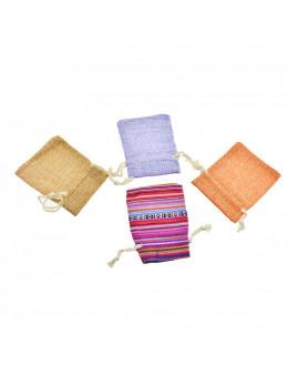 Petite pochette carrée avec cordon