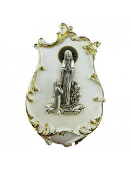 Bénitier en résine peinte blanc et doré avec Apparition en métal argenté