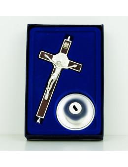 Crucifix ou calvaire Saint Benoit en métal argenté et bois