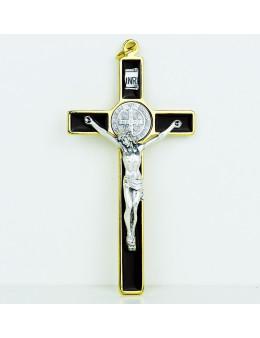 Croix Saint Benoit en métal doré et émail marron