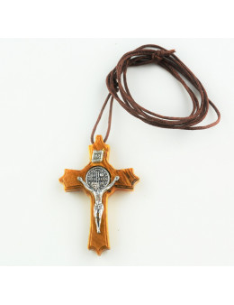 Crucifix Saint Benoit en bois d'olivier avec cordon