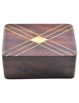 Boite en bois décorée de cuivre