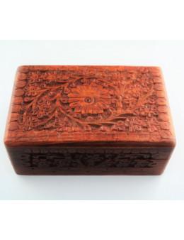 Boite en bois gravé 15,5x10