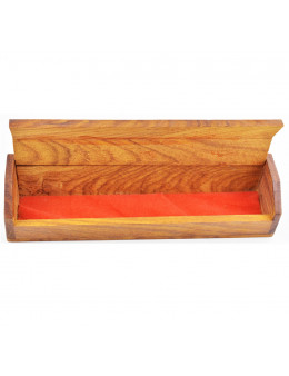 Boite en bois incrustée de motifs en cuivre