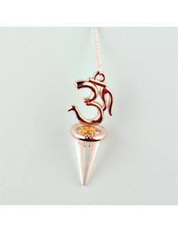 Pendue métal argenté avec chaîne, Om et cristal de roche conique facetté