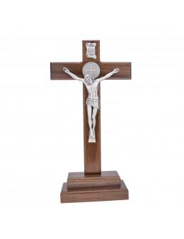 Calvaire / Crucifix / Croix sur pied en bois foncé et christ et croix de St Benoit en métal argenté 28 cm