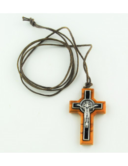 Croix Saint Benoit en bois d'olivier avec cordon